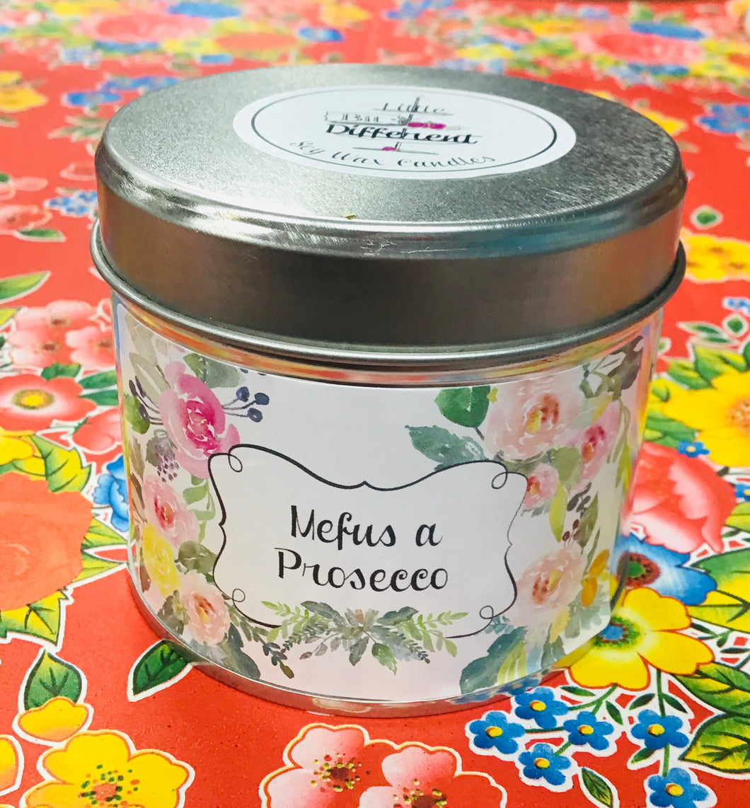 Canhwyll Mefus a Prosecco mewn Tin / Strawberry and Prosecco Candle in a Tin