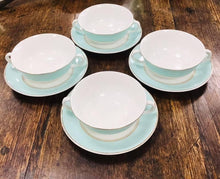 Load image into Gallery viewer, 4 Cwpan a Soser Dwy Handlen Vintage Mint ac Aur Johnson Brothers Ironstone / 4 Mint and Gold Vintage Johnson Brothers IronstoneDouble Handed China Cups and Saucers.