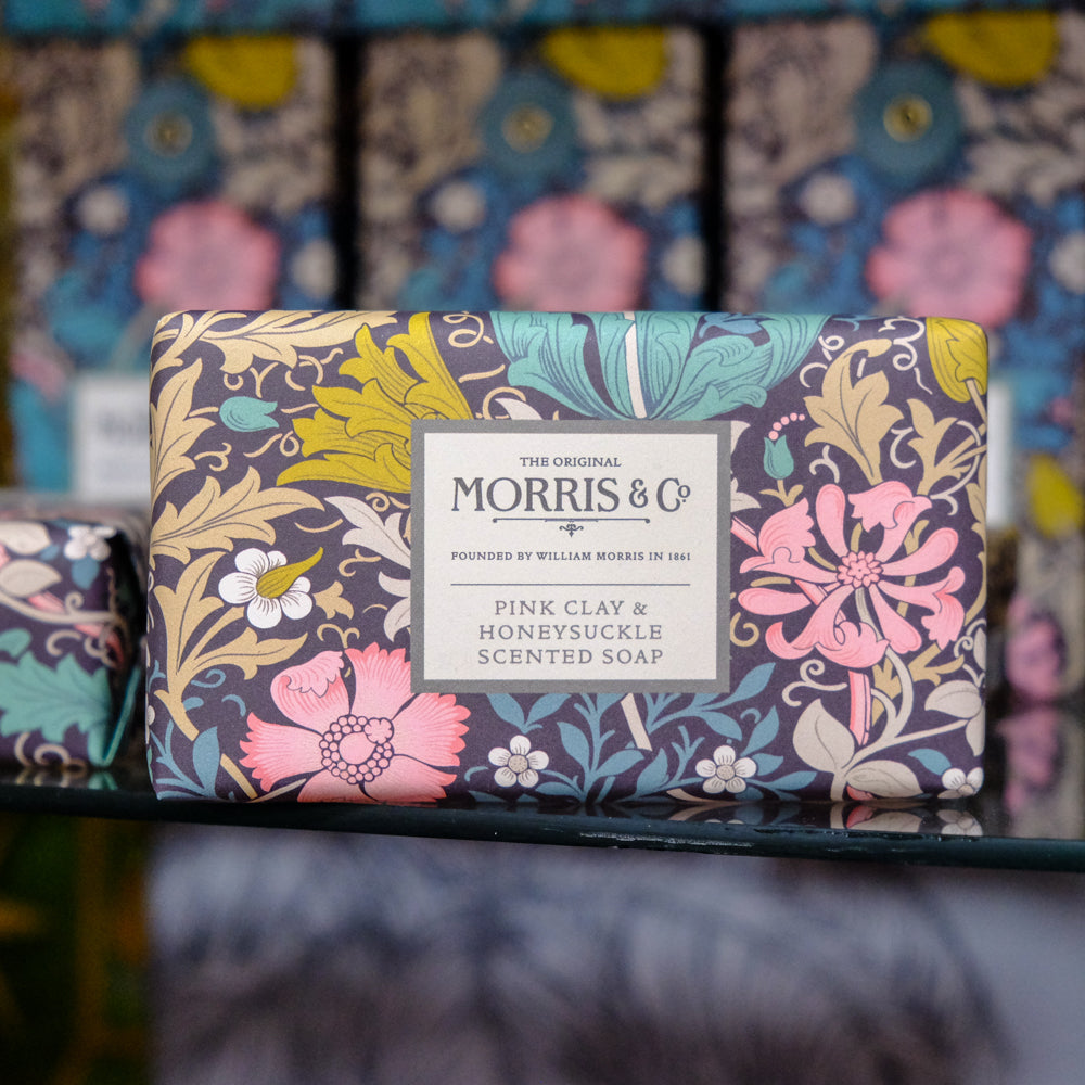Sebon Clai Pinc & Gwyddfid Morris & Co / Morris & Co Pink Clay & Honeysuckle Soap