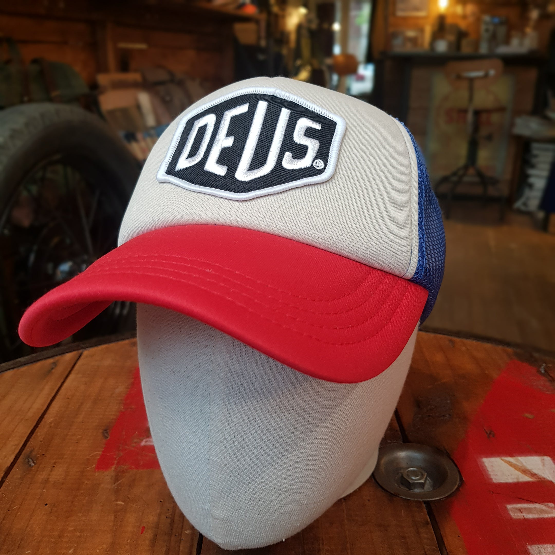DEUS EX MACHINA BAYLANDS TRUCKER ROUGE - BLEU