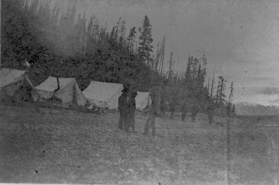 A group camping on Lake Bennett, May 23, 1898.