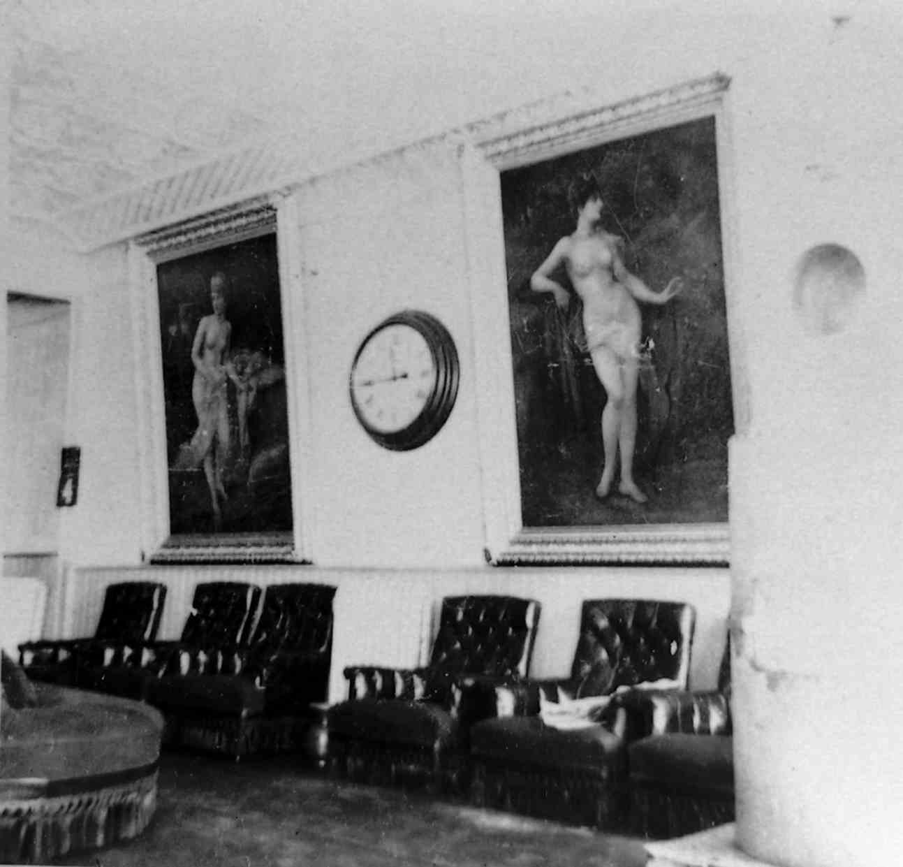 Lobby of the Royal Alexandra Hotel, 1946