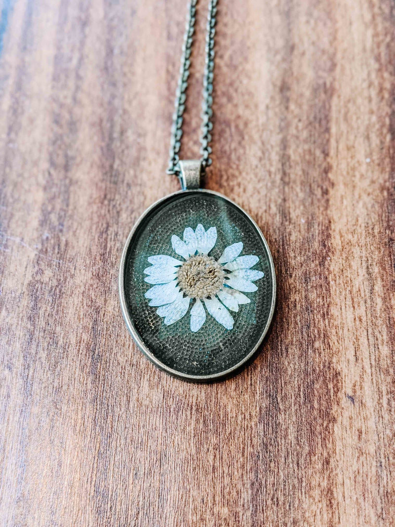 Dandelions in December Full Oval Daisy Necklace - The Gregarious Goose