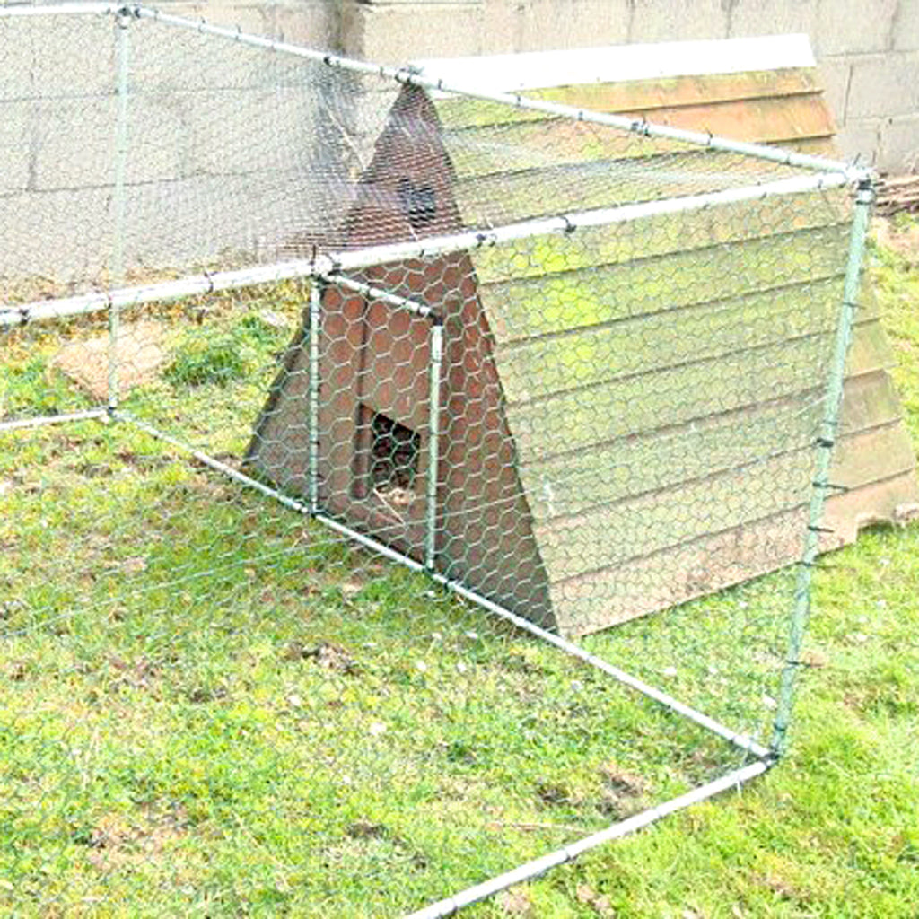 MainframeDirect - 8ftx6ft pet or poultry run- in use