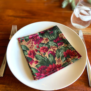 Rose Bush Vintage Cloth Dinner Napkins - 13in square
