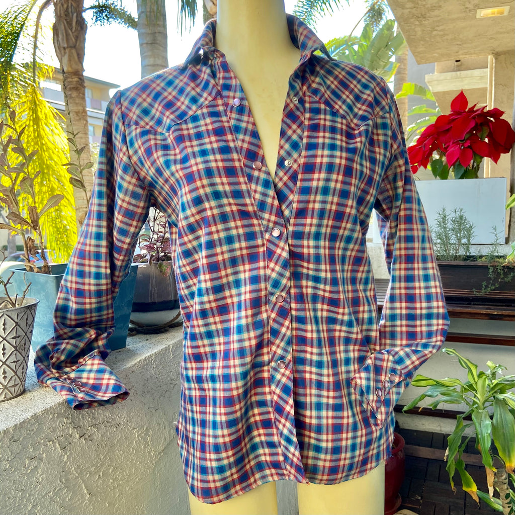 Plaid snap up long sleeve collared shirt