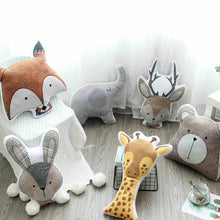 Lade das Bild in den Galerie-Viewer, Printed Animal Cartoon Pillows