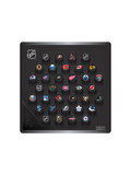 <transcy>Plaque murale de mini rondelle de hockey de la LNH. Toutes les mini rondelles de collection de souvenirs NHL 32 Team Classic + 3 mini rondelles NHL Shield</transcy>