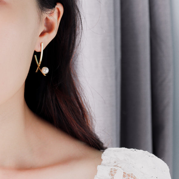 Pearl Chandelier III Gold Earrings