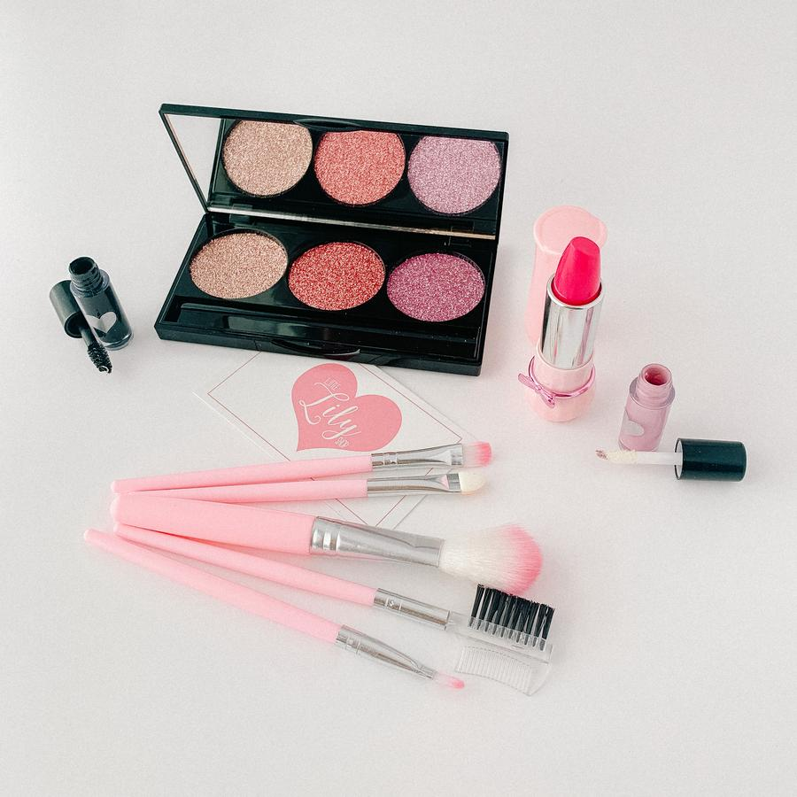 Little Lily Shop Makeup - Scarlett Everly Collection