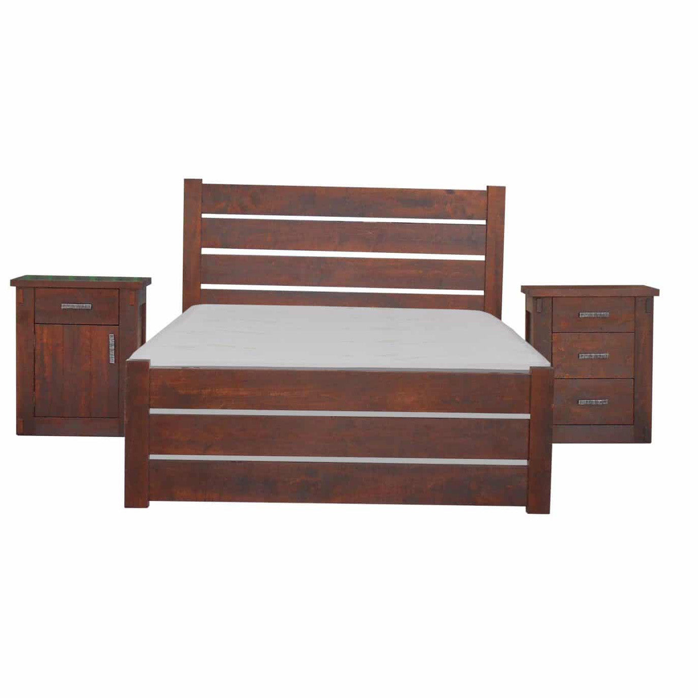Homestead Bed with matching Nightstands