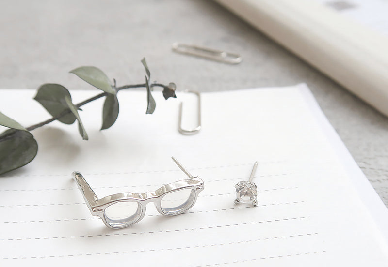 Square Specs x Diamante Asymmetric Studs in Silver