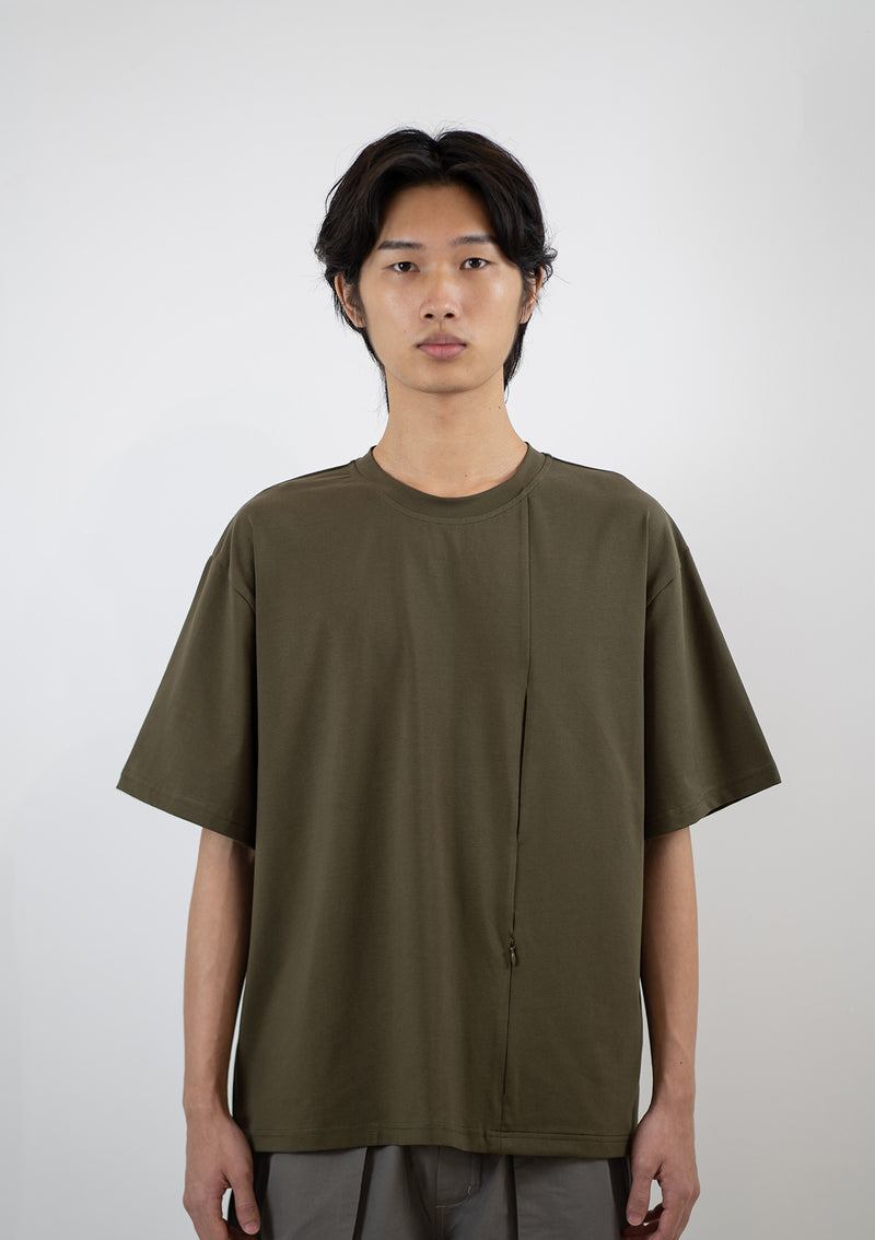 Line Pocket Tee in Khaki Green