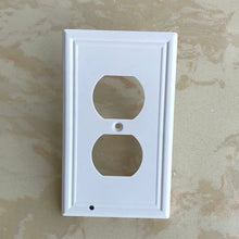 Charger l'image dans la galerie, Wall Plate With LED Night Lights - No Batteries or Wires