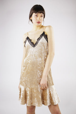 SPAGHETTI STRAP FLOUNCED VELVET DRESS IN GOLD