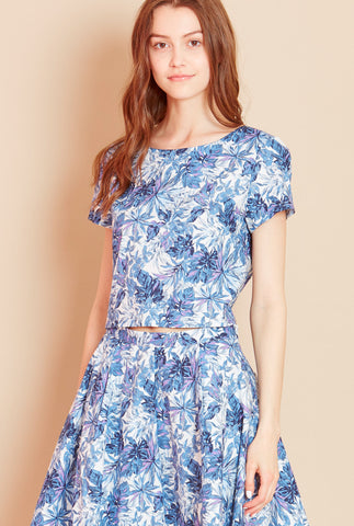 LEAFY<BR> Leaf Print Cropped Top in Blue