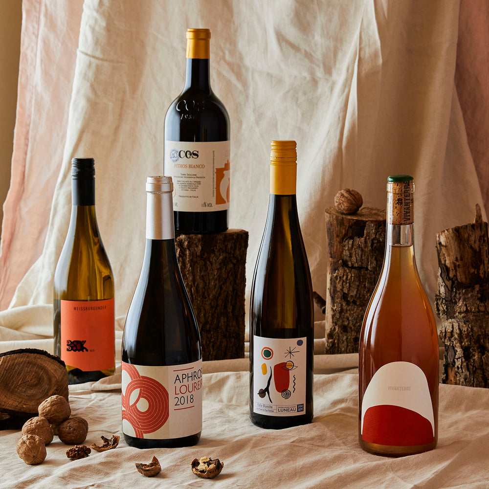 Discover organic & natural wines one box at a time...