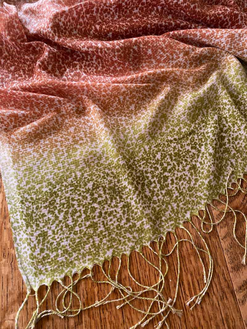 AU102 Delicate tiny patterned autumn leaf coloured smooth scarf