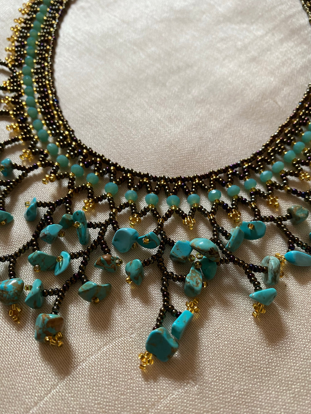 AUJ106 Bead and turquoise bronze and gold necklace