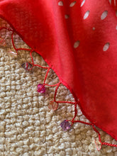 Load image into Gallery viewer, SP127 Geranium pretty beaded square
