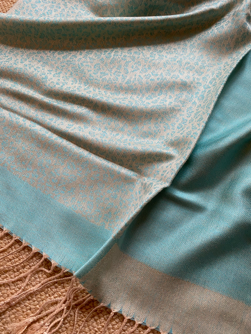 SP111 Fine wool, elegant scarf with tiny print and plain aqua pattern