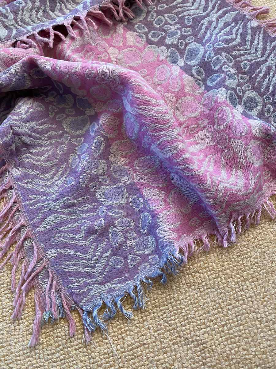 SU102 Pebble/jungle pattern, cyclamen and lavender soft, wool scarf with tassles