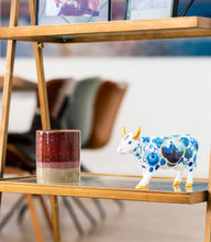 Charger l'image dans la galerie, blue-cow-bone-china-vache-cow-parade-moyen-modele