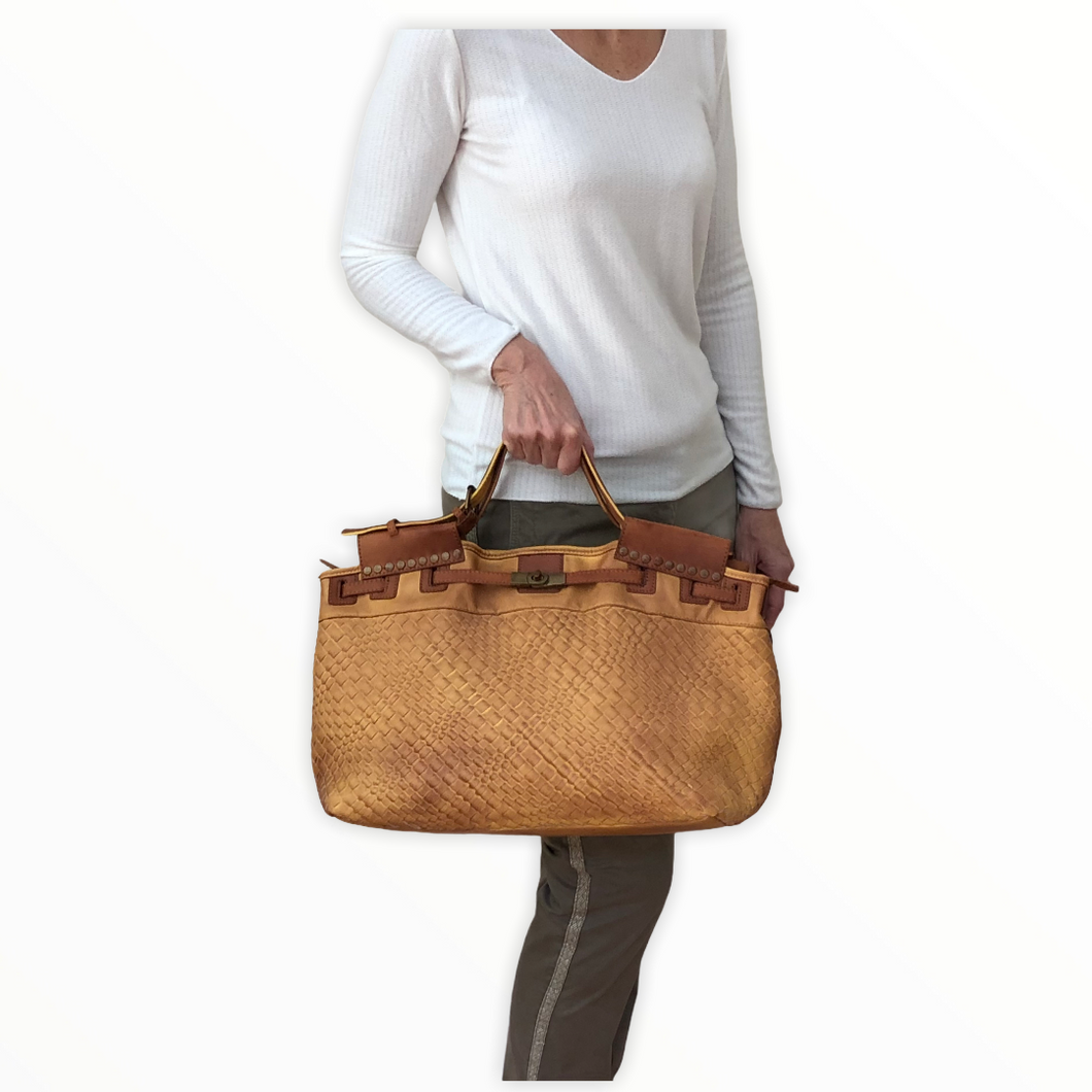 sac-tresse-moutarde-face-porte