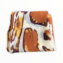 Charger l'image dans la galerie, foulard-jungle-a-plat-jaune-orange-blanc