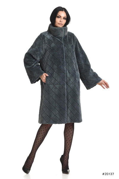 Sheared mink coat with laser-checked pattern - Manakas Frankfurt