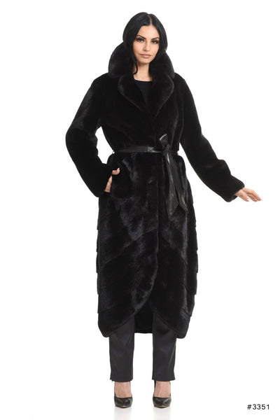 Mink coat with special bottom desing - Manakas Frankfurt