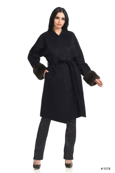 Cozy Loro Piana cashmere coat with sable cuffs - Manakas Frankfurt