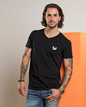 Afbeelding in Gallery-weergave laden, DTCH vibe t-shirt logo V neck black