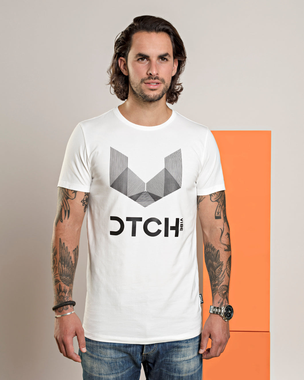 DTCH vibe T-Shirt logo essential white