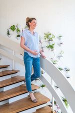Loading Image into Gallery View, Ripe Maternity - Jamie raw edge jean vintage wash | MILD maternity boutique - maternity clothes at Mechelen