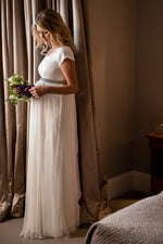 Loading Image into Gallery View, Tiffany Rose - Greta gown ivory | MILD maternity boutique - maternity clothes at Mechelen