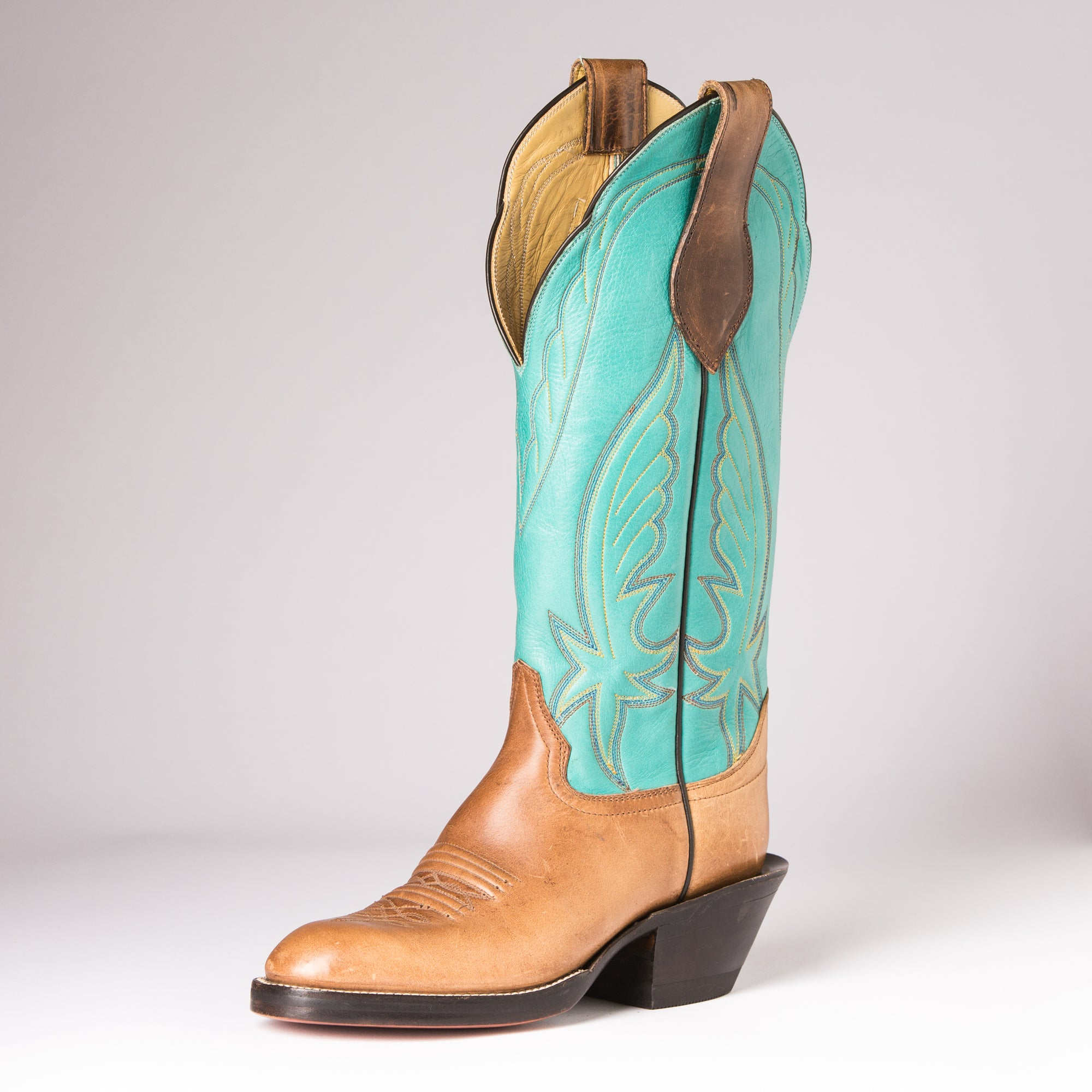"Carter's Handmade 14"" Tobacco Horse Butt, Turquoise Top"