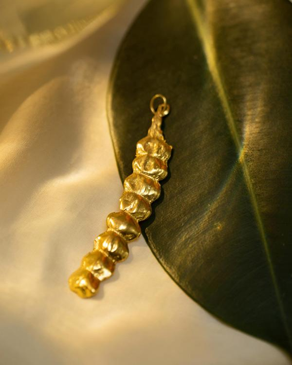 Seed pod curved charm