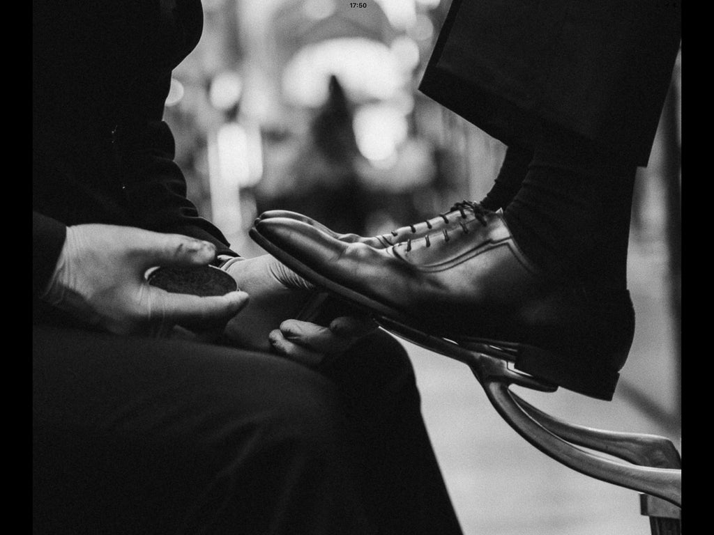 Shoe Shine Service Ltd is a successful business for an individual or ambitious entrepreneurs who would like to own one or a number of franchises, we provide all the necessary training and tools to get you ready for business.