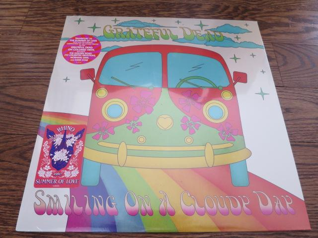 Grateful Dead - Smiling On A Cloudy Day - LP UK Vinyl Album Record Cover