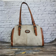 Load image into Gallery viewer, Manal - The Stylish Women's Leather Handbag Perfect For Cold Days