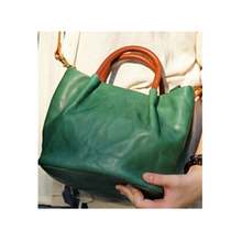 Load image into Gallery viewer, Emmeline - The Fashionable Crossbody Bag That Fits Any Style