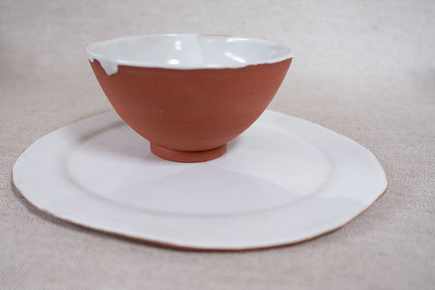 white and terracotta hand-thrown ceramics by Jinks and Grey for the hōm market