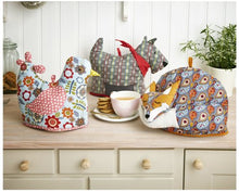 Load image into Gallery viewer, Ulster Weavers Scottie Dog Shaped Tea Cosy
