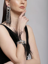 Fashion earrings with feathers & pearls