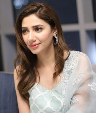 Mahira Khan Celebrity Jewellery Designer