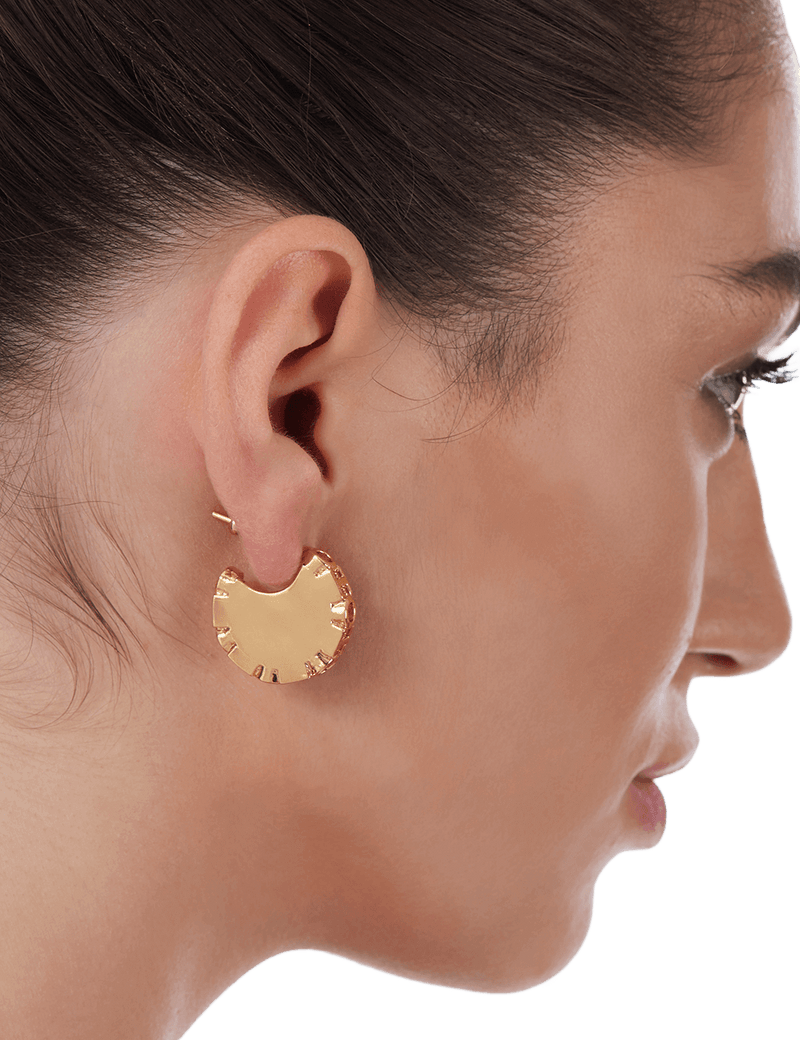 Stud earrings handmade in gold