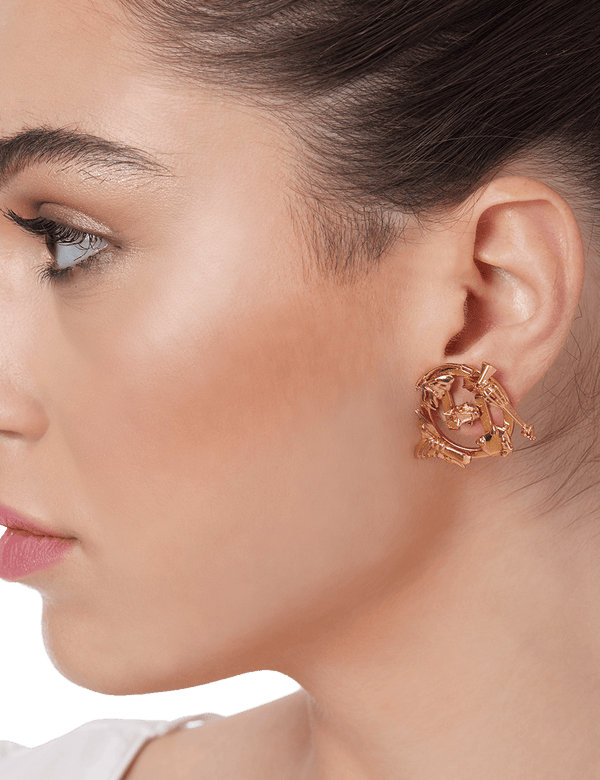 Studs earrings designer in gold