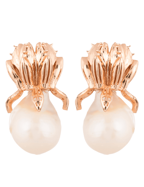 Pearl drop fashion earrings