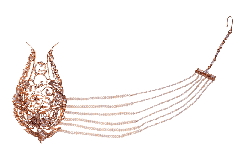 Women's head harness in rose gold